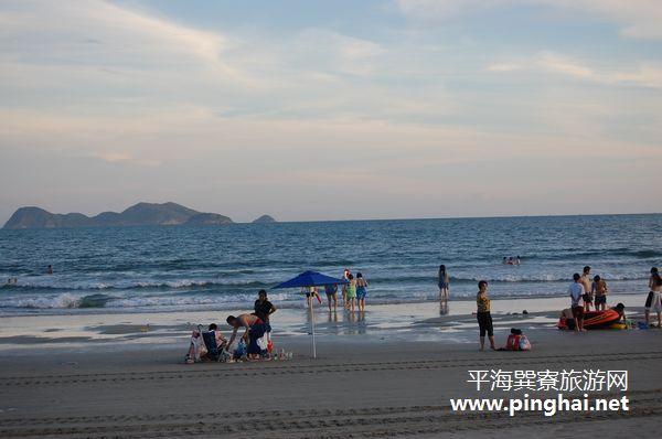 南海渔村海鲜大排档前面的海滩