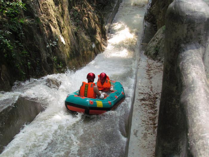 平安生态旅游风景区,位于惠州博罗县柏塘镇平安林场内,景区按
